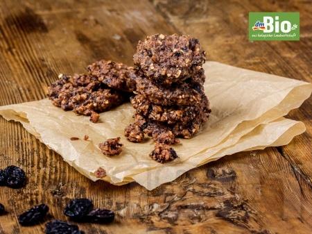 Здравословни курабии с овесени ядки, стафиди и фурми - снимка на рецептата